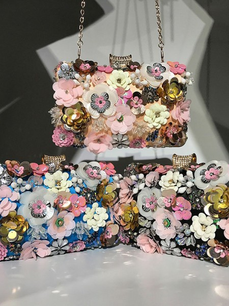 Trending Wedding Evening/Party 3D Flowers Handbags