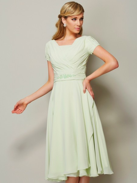 Sheath/Column Bateau Short Sleeves Ruffles Short Chiffon Bridesmaid Dress