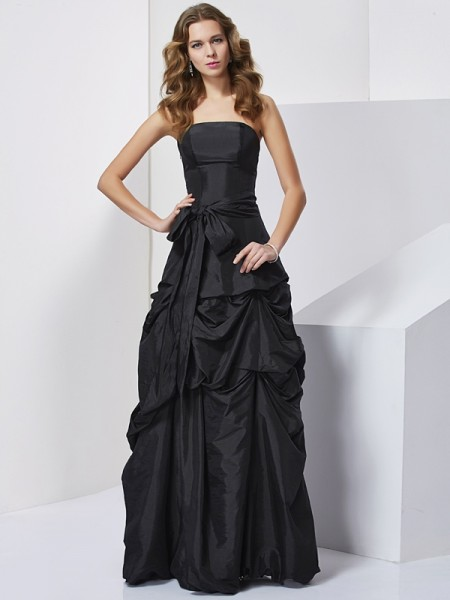 Sheath/Column Strapless Bowknot Long Taffeta Dress
