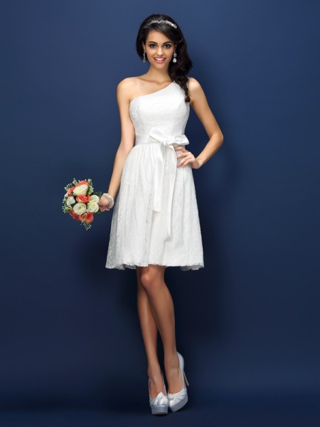 A-Line/Princess One-Shoulder Lace Short Lace Bridesmaid Dress