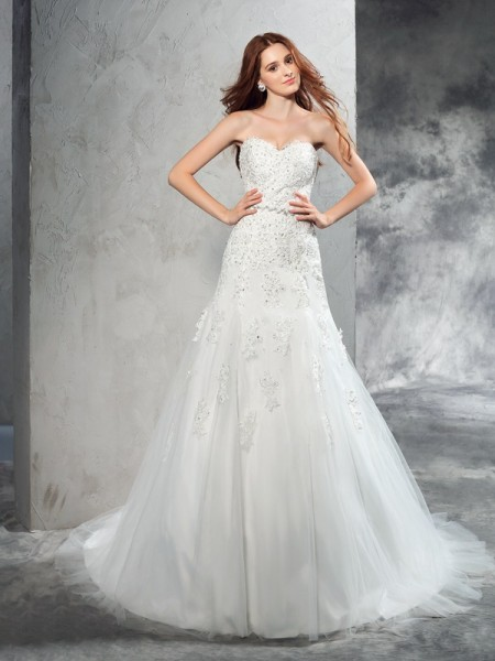 Sheath/Column Sweetheart Applique Satin Wedding Dress