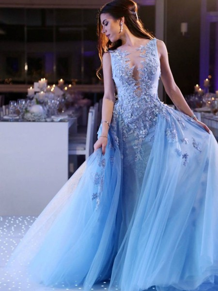 Ball Gown Sleeveless Sweep/Brush Train Scoop Applique Tulle Dresses