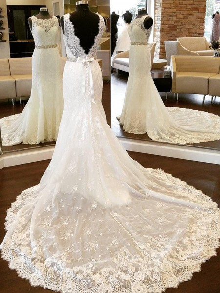 Sheath/Column Lace Sleeveless Scoop Bowknot Chapel Train Wedding Dress