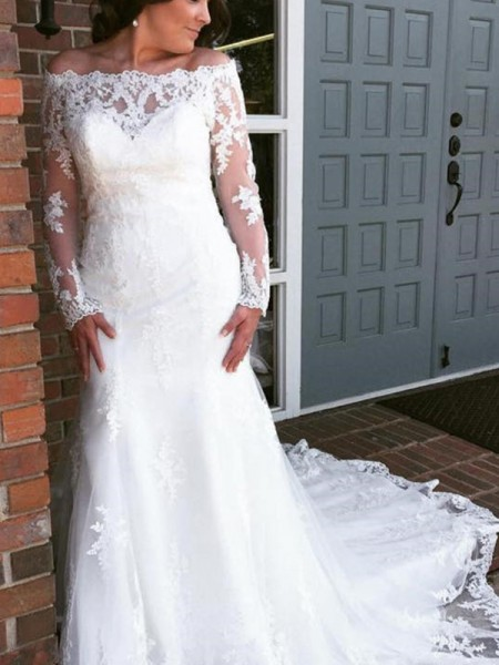 Trumpet/Mermaid Tulle Long Sleeves Cathedral Train Wedding Dress