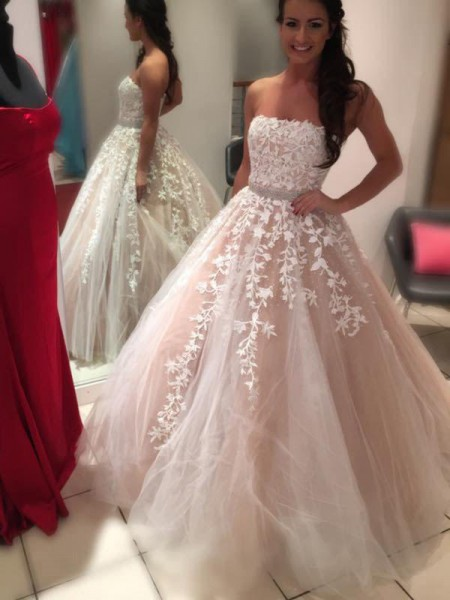 Ball Gown Strapless Sleeveless Floor-Length Tulle Wedding Dress
