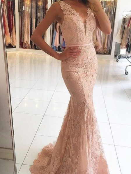 Trumpet/Mermaid V-neck Sleeveless Applique Sweep/Brush Train Lace Dresses
